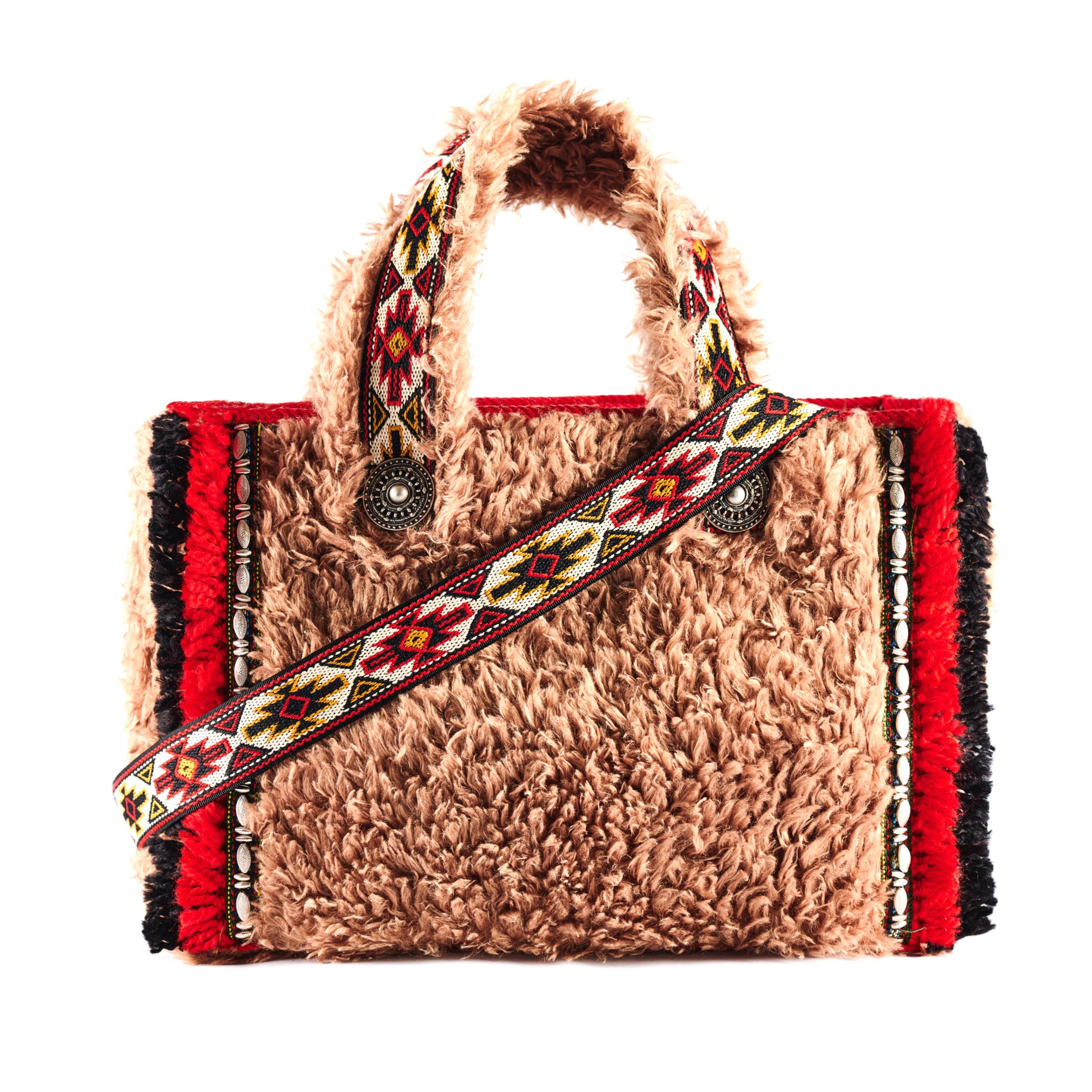 viamailbag-aspen-fluffy-F01